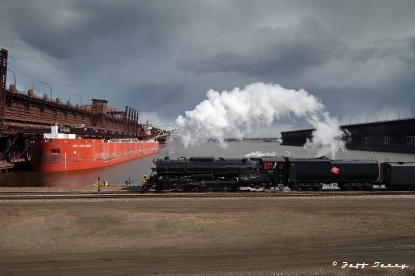 Milwaukee 261 at Duluth ore docks 1