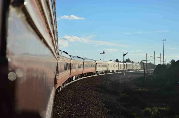 d37289-westbound-semphore-falling-as-sts-train-passes-on-bnsf-in-nm-9-17-13