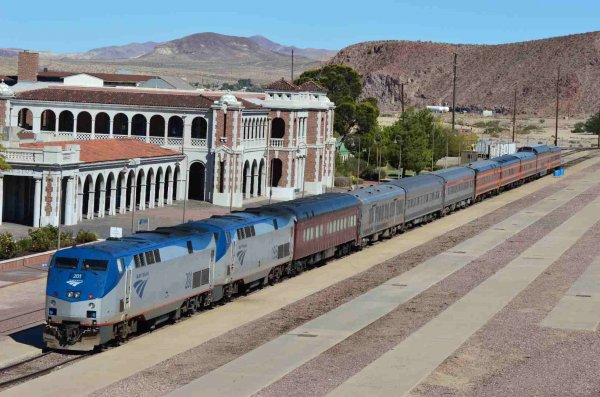 d37446-sts-train-at-barstow-ca-from-overpass-9-23-13