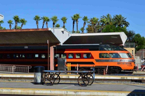d37549-cedar-rapids-at-los-angeles-union-passenger-terminal-on-sts-train-9-26-13