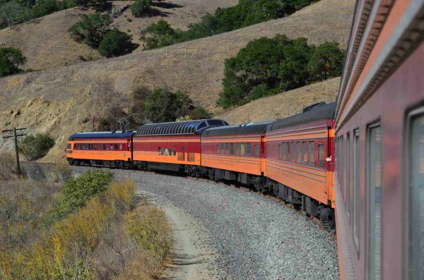 d37577-261-cars-on-rear-of-sts-train-north-of-san-luis-obispo-ca-9-27-13